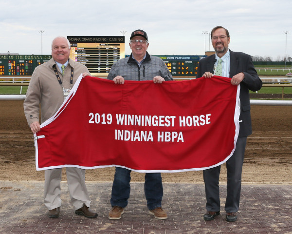 Will Knows Earns 2019 Indiana HBPA Winningest Horse at Indiana Grand